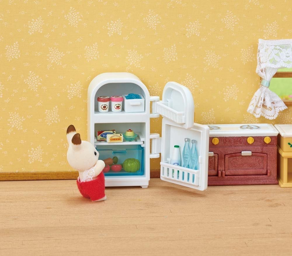 Kozy Kitchen Set - Calico Critters (USA, Canada) action figure