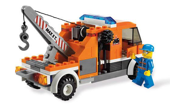 Tow Truck - LEGO CITY set 7638